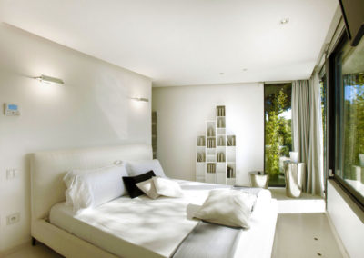 st-tropez-villa-yana-bedroom-double-1