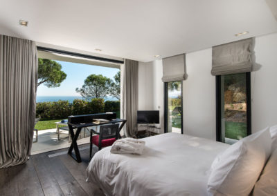 villa-margot-st-tropez-double-bedroom-five