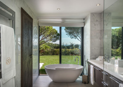 villa-margot-st-tropez-ensuite-bathroom-four