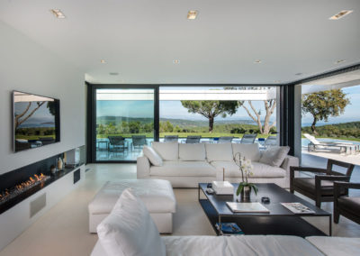 villa-margot-st-tropez-living-room-fireplace