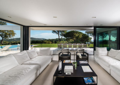 villa-margot-st-tropez-living-room-seating