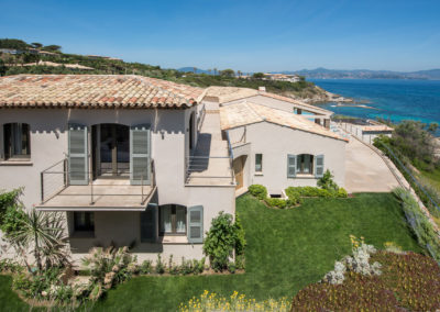 rent-now-your-villa-waters-edge-saint-tropez-french-riviera-france-14