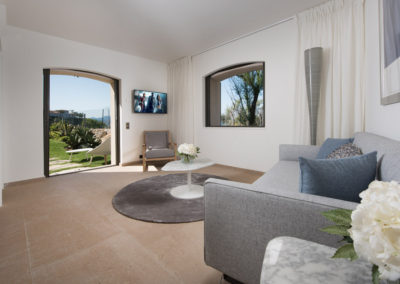 rent-now-your-villa-waters-edge-saint-tropez-french-riviera-france-16