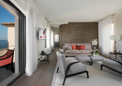 rent-now-your-villa-waters-edge-saint-tropez-french-riviera-france-7